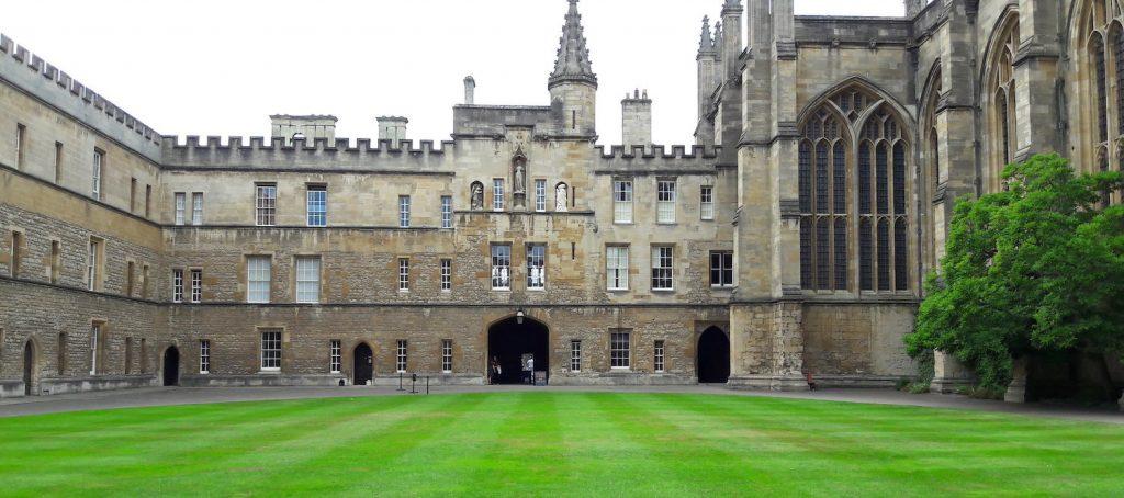 New College Courtyard - Pjposullivan1 via Flickr